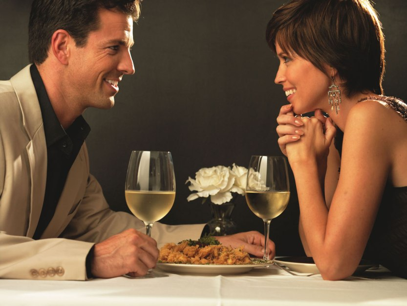How-to-Plan-a-Romantic-Restaurant-Date