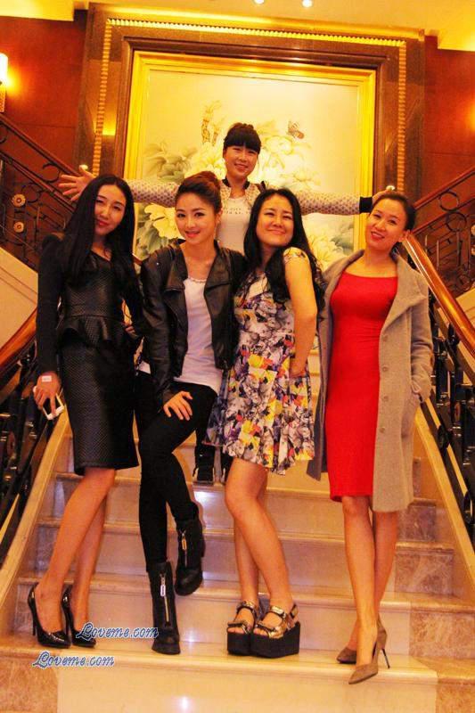 2015000140-Chinese-Women
