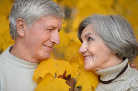 depositphotos_53509637-stock-photo-senior-couple-in-autumn-park